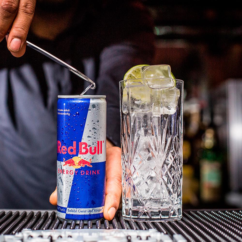 Red Bull Energy Drink in der Bar Mephisto Wiener Neustadt Herrengasse